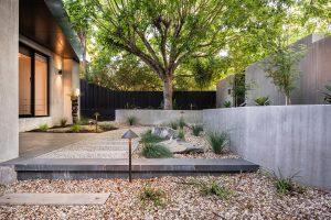 Coastal-frontyard-design